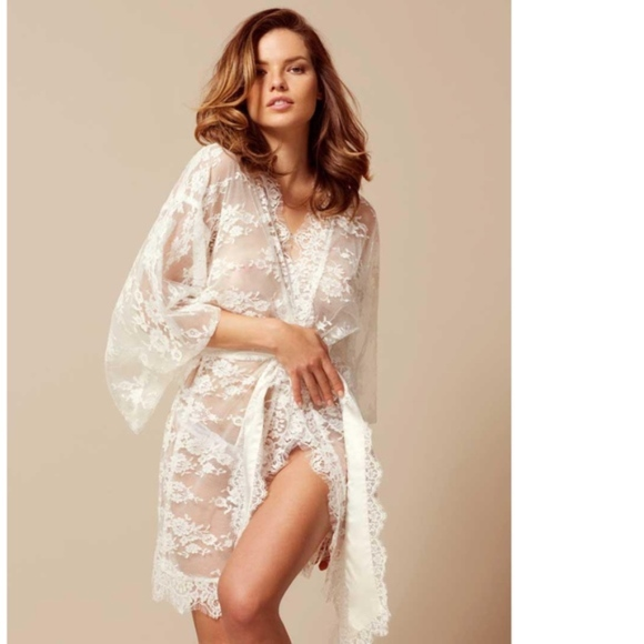 Agent Provocateur Other - BNWT Agent Provocateur Off-white Matinee Kimono